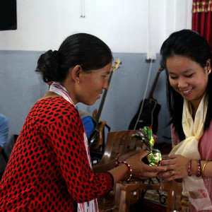 Roshni Gurung Tiwari, ACN- handing gifts to the participants